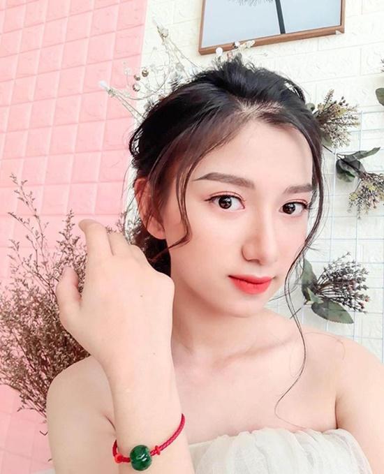 Nữ sinh 2k2 có đường nét gương mặt hao hao hoa hậu Hương Giang, giọng hát ngọt lịm tim - Ảnh 1