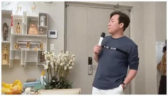 """Nửa đêm canh ba, Trấn Thành làm gì khiến Hari Won phải lên mạng xã hội """"than trời trách đất""""? - Ảnh 1"""
