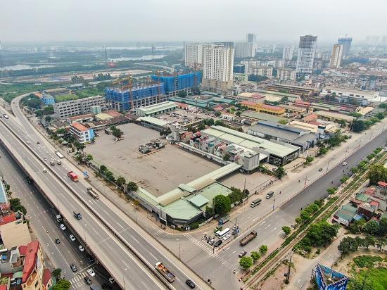 Hà Nội tìm khẩn cấp 7 hành khách đi chung xe với bệnh nhân 620 - Ảnh 1