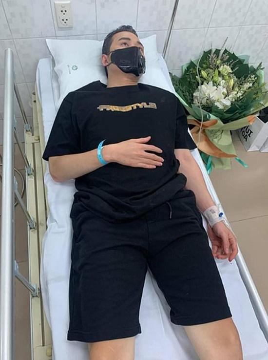 Karik bất ngờ nhập viện, đăng tải dòng chữ khiến fan xót xa - Ảnh 1