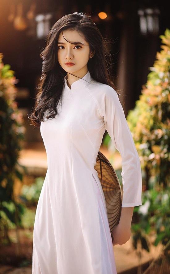 """Nữ sinh Đắk Lắk sở hữu vóc dáng quyến rũ, gợi cảm cùng vòng em """"con kiến"""" vạn người mê - Ảnh 7"""