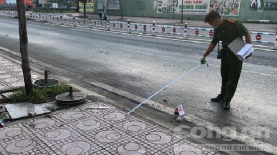 Nam thanh niên bị đuổi chém tử vong ở TP.HCM: Công an trích xuất camera truy bắt nhóm gây án - Ảnh 1