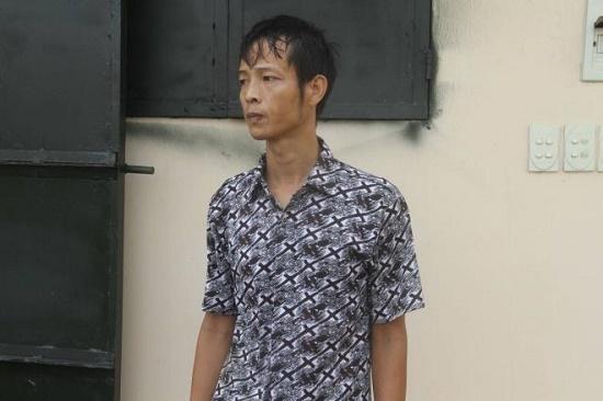 """Vụ gã đàn ông bạo hành con trai 9 tuổi ở Hưng Yên: """"Sốc"""" trước lời khai của người cha máu lạnh - Ảnh 1"""
