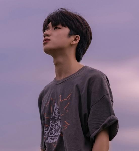 Nam sinh trường Y nổi như cồn sau clip mặc áo blouse, đẹp trai chẳng kém gì các idol Hàn Quốc - Ảnh 4