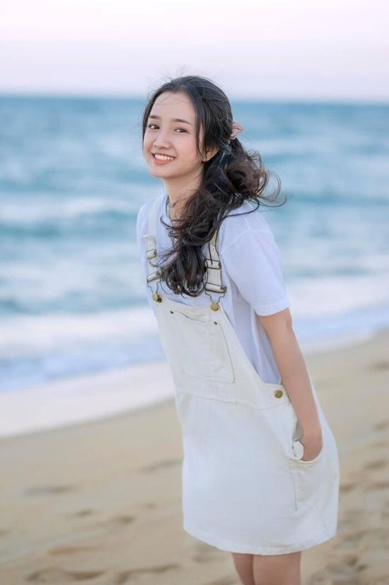Nữ sinh Nghệ An sở hữu góc nghiêng giống Địch Lệ Nhiệt Ba, chính diện còn gây bất ngờ hơn - Ảnh 8