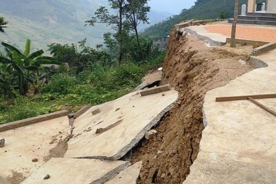 Trường học ở Thanh Hóa bị sụt lún nghiêm trọng, học sinh phải đi học nhờ: Trưởng phòng GD&ĐT thông tin bất ngờ - Ảnh 1