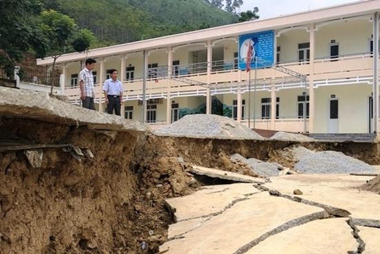 Trường học ở Thanh Hóa bị sụt lún nghiêm trọng, học sinh phải đi học nhờ: Trưởng phòng GD&ĐT thông tin bất ngờ - Ảnh 2