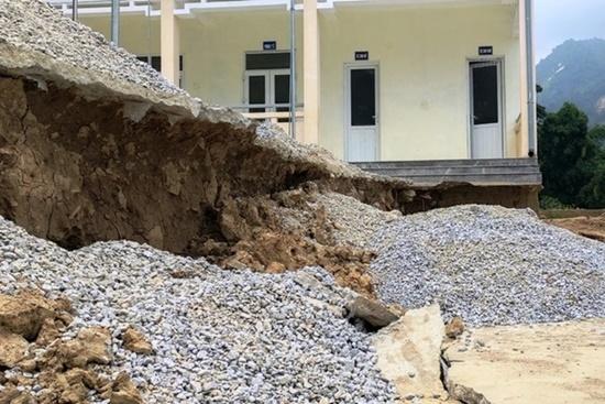 Trường học ở Thanh Hóa bị sụt lún nghiêm trọng, học sinh phải đi học nhờ: Trưởng phòng GD&ĐT thông tin bất ngờ - Ảnh 3