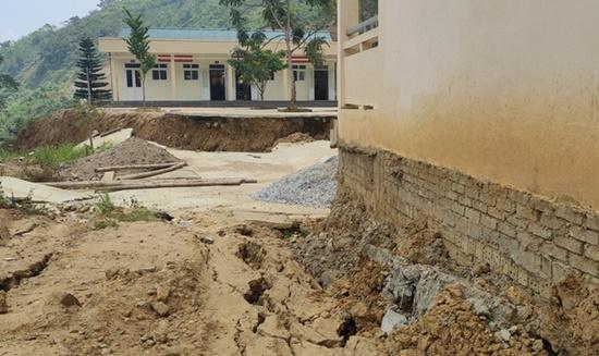 Trường học ở Thanh Hóa bị sụt lún nghiêm trọng, học sinh phải đi học nhờ: Trưởng phòng GD&ĐT thông tin bất ngờ - Ảnh 4