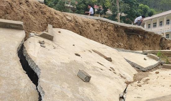 Trường học ở Thanh Hóa bị sụt lún nghiêm trọng, học sinh phải đi học nhờ: Trưởng phòng GD&ĐT thông tin bất ngờ - Ảnh 5