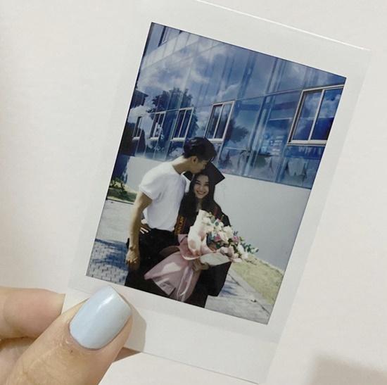 Nữ sinh đại học Văn Lang xinh đẹp tựa thiên thần trong lễ tốt nghiệp, là em gái của một MC đình đám - Ảnh 4