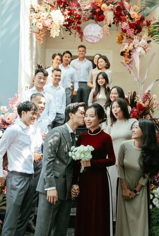 """Công Phượng tung bộ ảnh """"full HD"""" sau đám cưới, nhìn ảnh cuối mới biết yêu bà xã thế nào - Ảnh 3"""