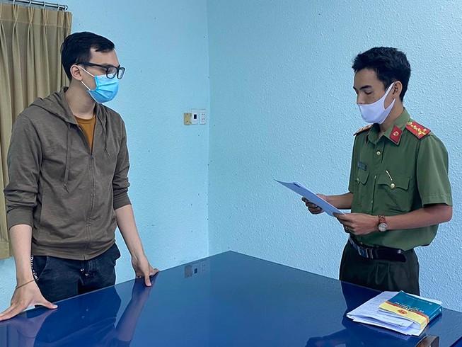 Phê chuẩn quyết định khởi tố nam tiếp viên hàng không Vietnam Airlines làm lây lan dịch COVID-19 - Ảnh 1