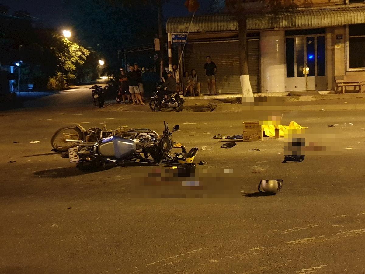 TP.HCM: Xe máy vượt đèn đỏ gây tai nạn, 5 người thương vong - Ảnh 1