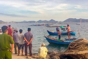 Tìm thấy thi thể 2 thanh niên mất tích trên vịnh Cam Ranh - Ảnh 1
