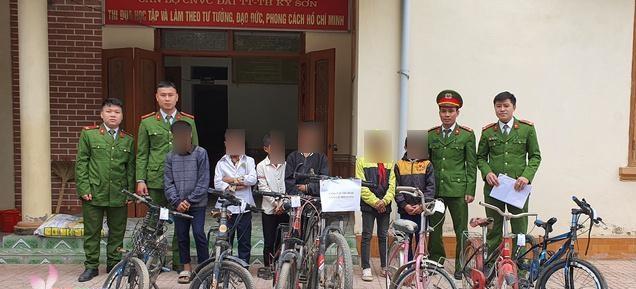 Triệu tập nhóm học sinh lớp 6 gây ra hàng loạt vụ trộm xe đạp ở Nghệ An - Ảnh 1