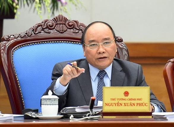 Thủ tướng họp khẩn về COVID-19 tại nơi tổ chức Đại hội Đảng - Ảnh 1
