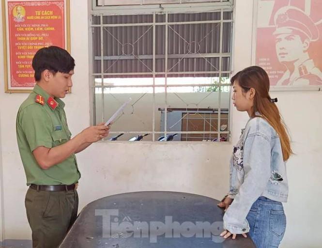"""Tin tức pháp luật ngày 8/1/2021: Đối tượng nã đạn hoa cải vào xe """"thánh chửi"""" Dương Minh Tuyền là ai? - Ảnh 2"""