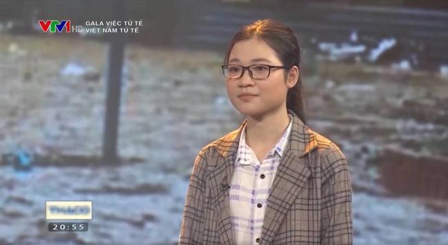 Cô bé khóc nức nở vì sách vở ướt nhẹp sau 10 năm: Ra dáng thiếu nữ xinh đẹp, trở thành sinh viên trường y - Ảnh 3