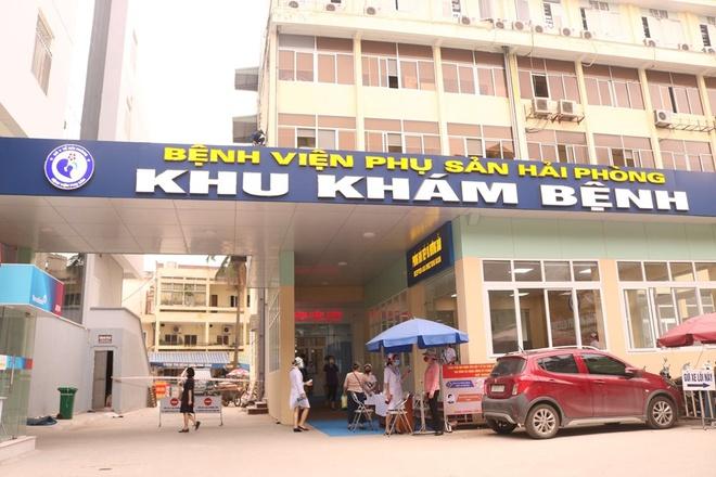 Phong tỏa bệnh viện Phụ sản Hải Phòng, khoảng 1.000 người được lấy mẫu xét nghiệm COVID-19 - Ảnh 1