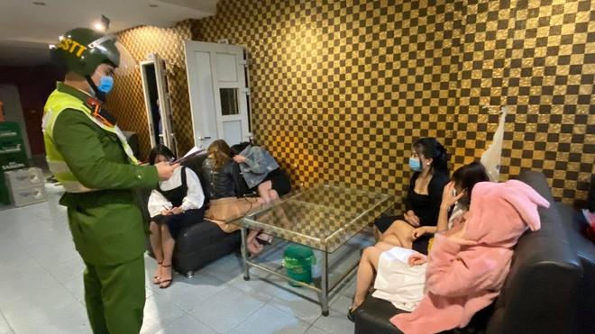 Tin tức pháp luật mới nhất ngày 3/2: Gã trai say xỉn hiếp dâm chủ trang trại ở Hà Nội khai gì? - Ảnh 2