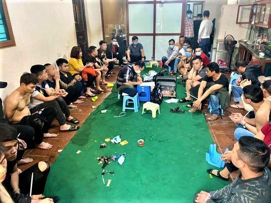 Tin tức pháp luật mới nhất ngày 24/2: Ai cầm đầu sới bạc mở xuyên Tết tại Hà Nội? - Ảnh 1