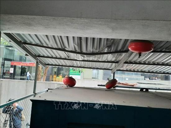 Hiện trường vụ bé gái 3 tuổi rơi từ tầng 12 chung cư ở Hà Nội - Ảnh 4