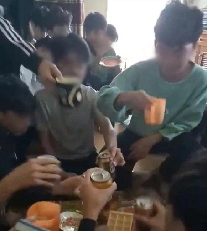 Lời trần tình của cô giáo uống bia với học trò ở Thanh Hóa - Ảnh 2