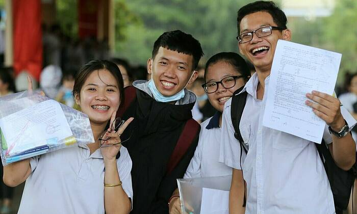 Hải Phòng chi hơn 4,8 tỷ đồng cho học sinh đoạt giải quốc gia, quốc tế - Ảnh 1