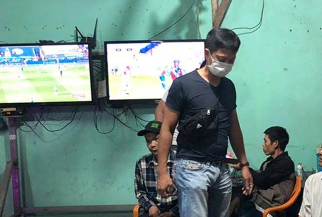 Triệt phá ổ cá độ bóng đá cả chục tỷ đồng tại Thừa Thiên-Huế: Ai là người cầm đầu? - Ảnh 1