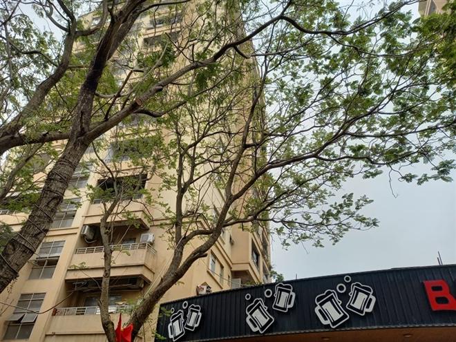 Tin tức thời sự mới nóng nhất hôm nay 10/3: Tình tiết mới vụ nữ sinh lớp 10 rơi từ tầng 9 chung cư ở Hà Nội - Ảnh 1
