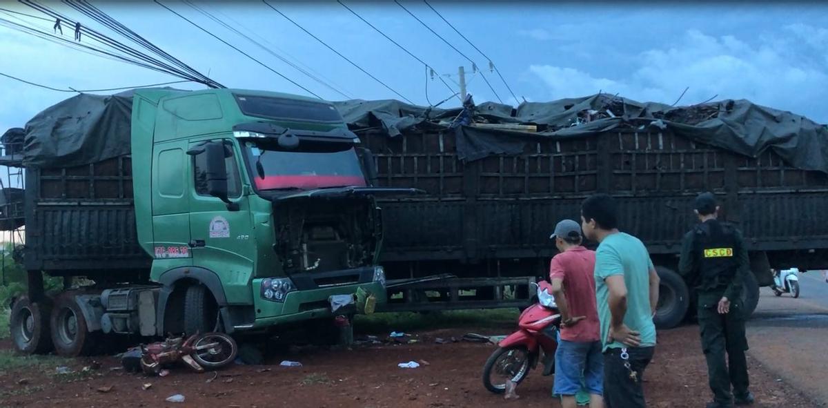 Tin tai nạn giao thông ngày 13/4: Người đàn ông tử vong thương tâm sau va chạm với xe buýt - Ảnh 2