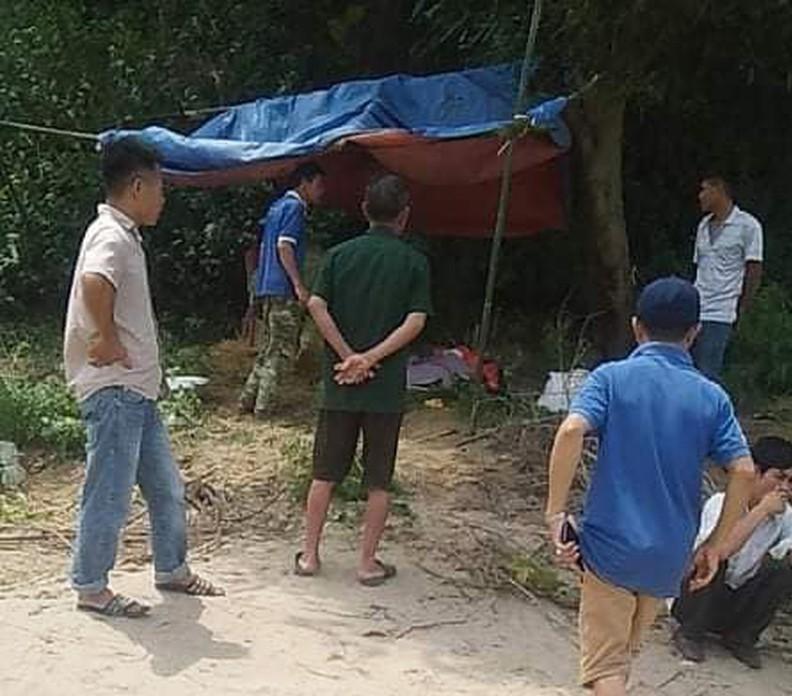 Bé trai 3 tuổi chết đuối trên sông Lam: Là con một, sống cùng ông bà nội - Ảnh 1
