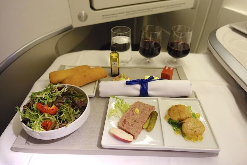 Bí quyết làm nên những suất ăn trên máy bay tiêu chuẩn 5 sao  - Ảnh 1