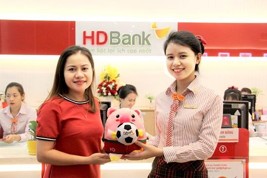 Hàng ngàn quà tặng dành cho khách hàng gửi tiết kiệm đồng hành cùng giải Futsal HDBank Đông Nam Á  - Ảnh 3