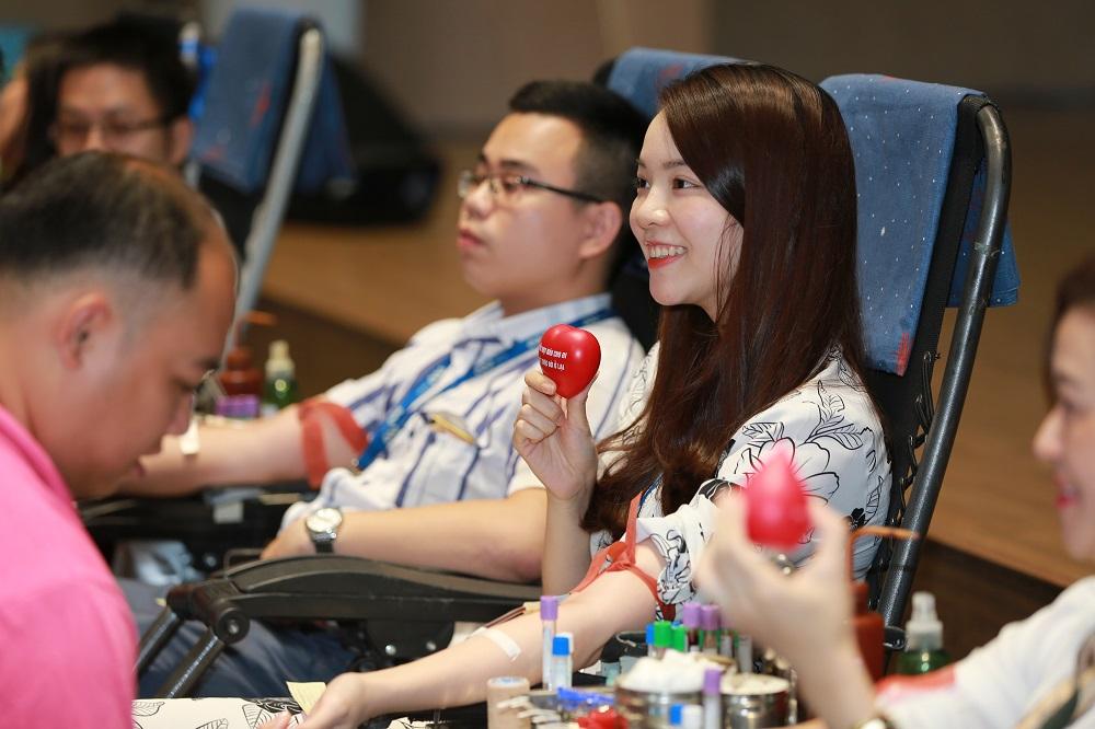 Tập đoàn FLC tổ chức hiến máu tình nguyện mừng sinh nhật 18 tuổi  - Ảnh 3