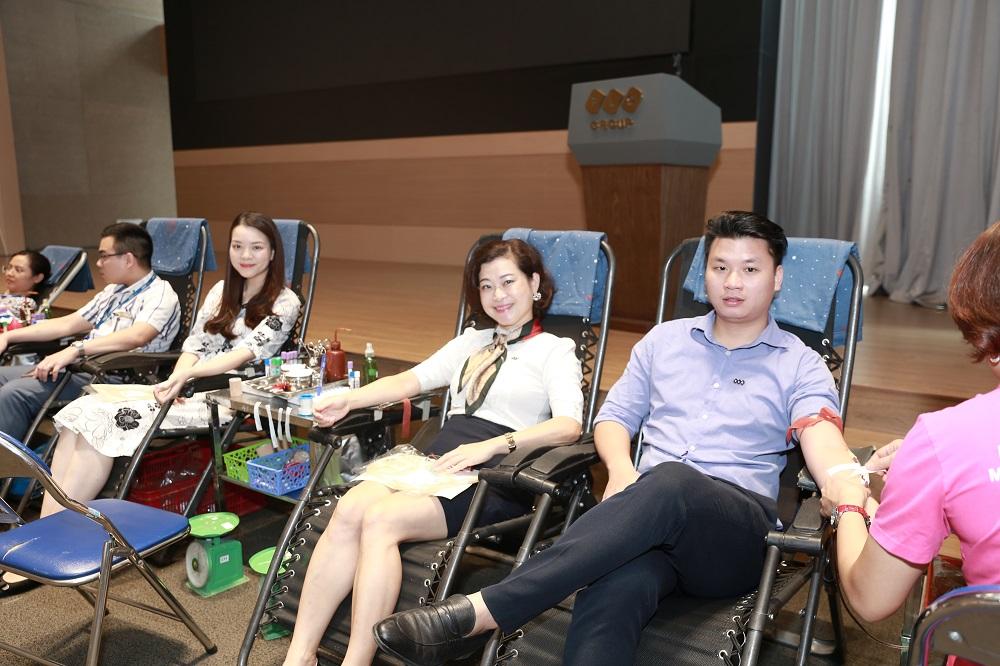 Tập đoàn FLC tổ chức hiến máu tình nguyện mừng sinh nhật 18 tuổi  - Ảnh 4