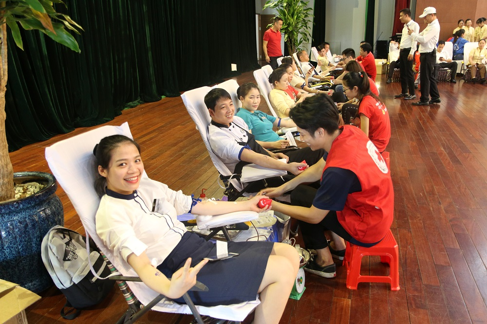 Tập đoàn FLC tổ chức hiến máu tình nguyện mừng sinh nhật 18 tuổi  - Ảnh 6