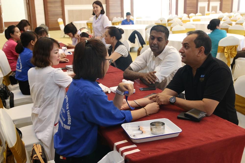 Tập đoàn FLC tổ chức hiến máu tình nguyện mừng sinh nhật 18 tuổi  - Ảnh 8
