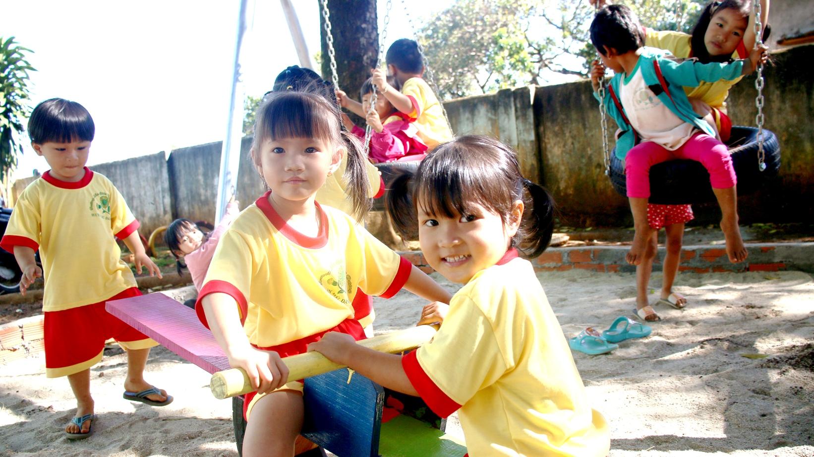 Home Credit tiếp tục tài trợ hoạt động khuyến học tại Bình Phước  - Ảnh 2