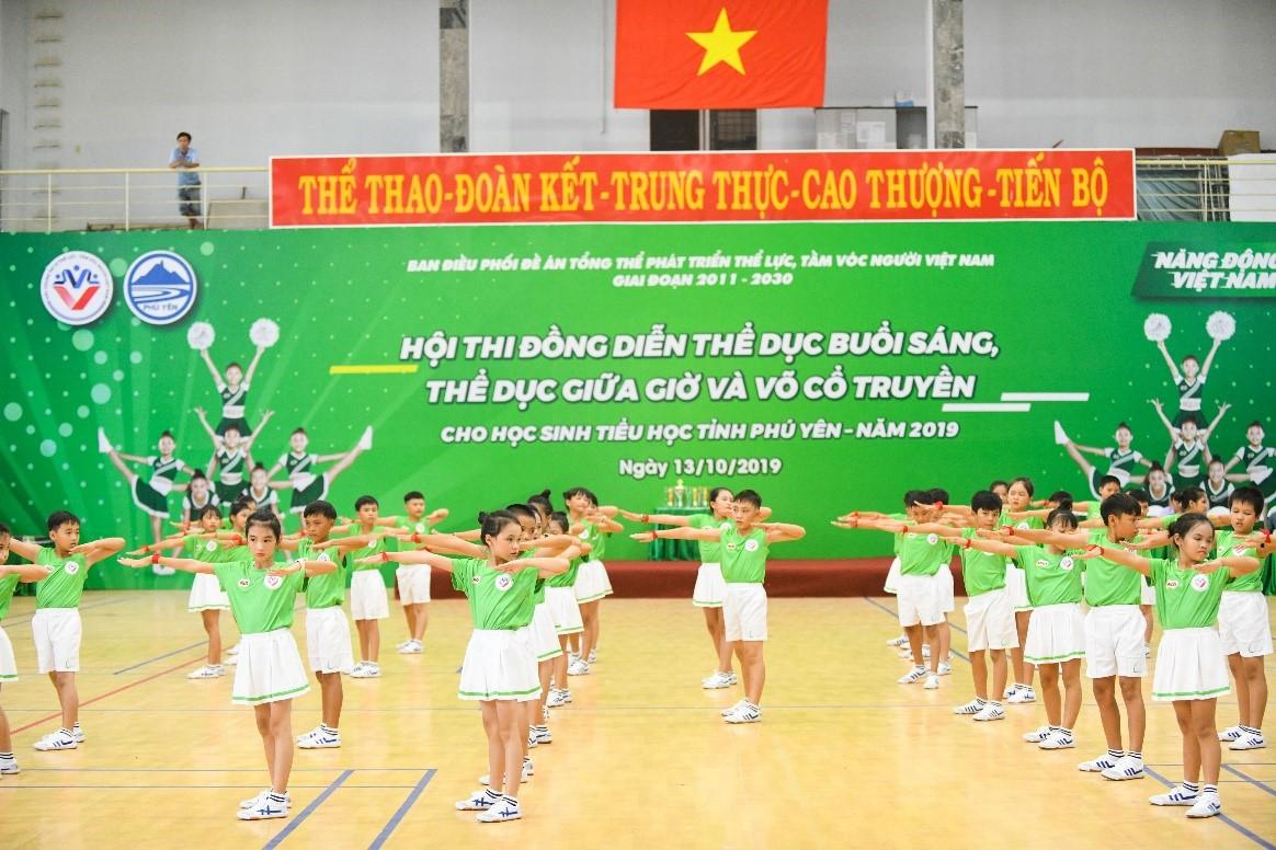 Học sinh Phú Yên tham gia Hội thi thể dục buổi sáng, giữa giờ và võ cổ truyền  - Ảnh 1