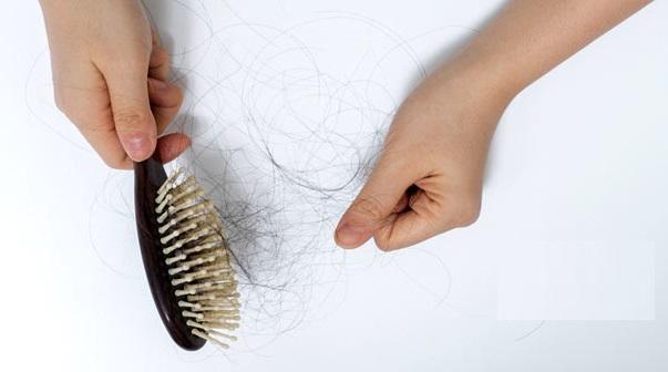Có loại này dùng ngày 2 lần, tóc mới chắc khỏe cứ tự mọc lại khắp đầu  - Ảnh 1