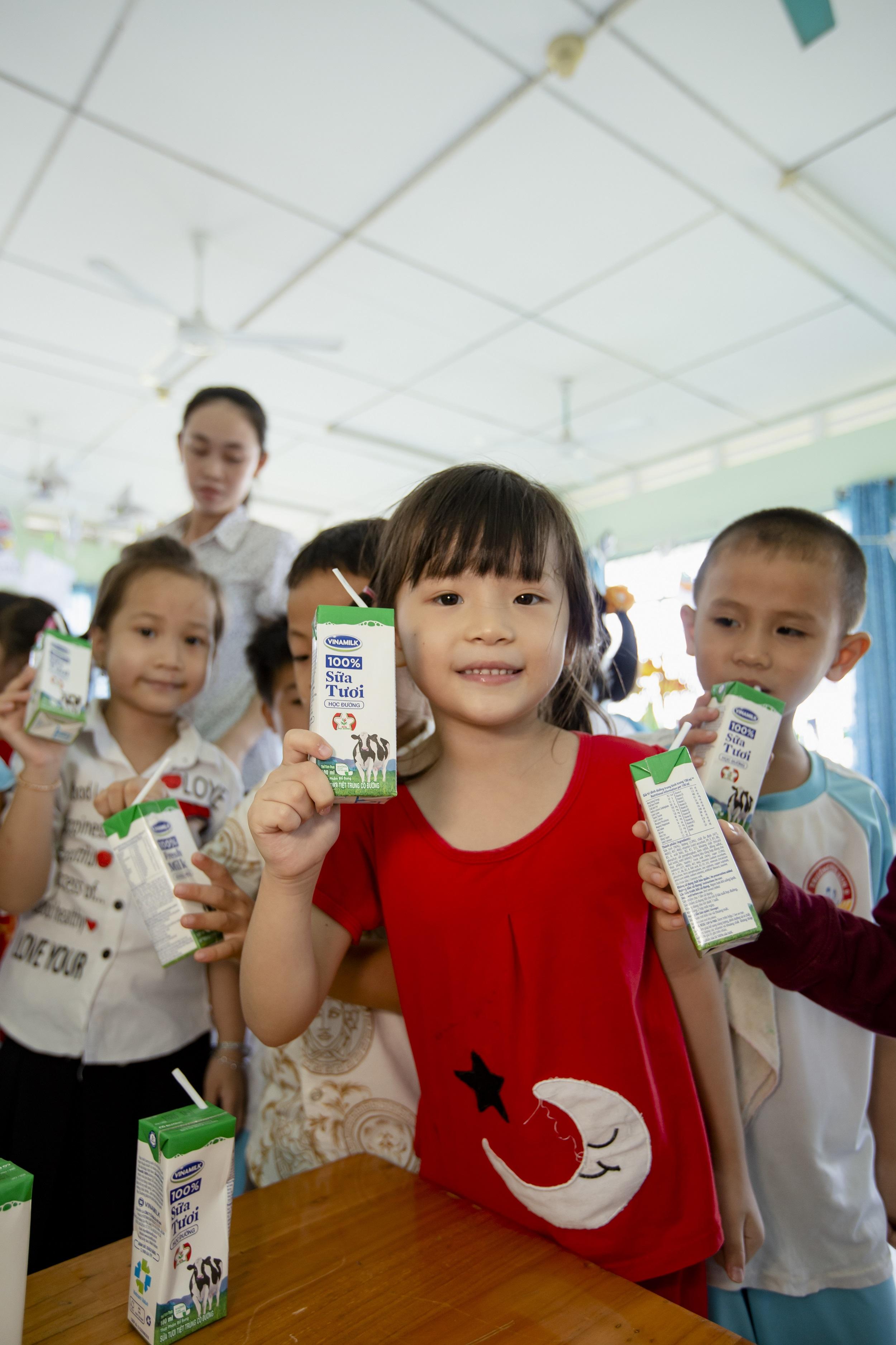 70.000 trẻ em ở Vĩnh Long sẽ thụ hưởng chương trình sữa học đường  - Ảnh 3