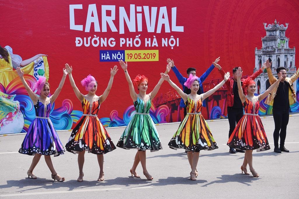"""Hà Nội sẽ tổ chức Carnival đường phố mừng """"65 năm Giải phóng Thủ đô""""  - Ảnh 2"""