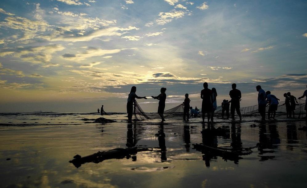 Trải nghiệm bình minh huyền ảo trên bãi biển Cửa Lò  - Ảnh 7