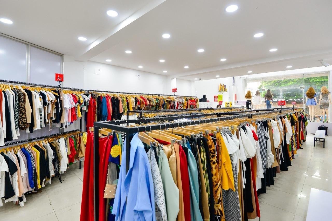 Chuỗi cửa hàng thời trang Crazyteen cực hút khách với fanpage gần triệu like  - Ảnh 3