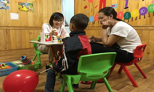 Chương trình khám và tư vấn miễn phí cho trẻ tự kỷ, chậm nói, tăng động tại Quảng Ninh  - Ảnh 2