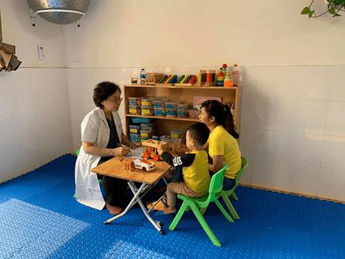 Chương trình khám và tư vấn miễn phí cho trẻ tự kỷ, chậm nói, tăng động tại Quảng Ninh  - Ảnh 3