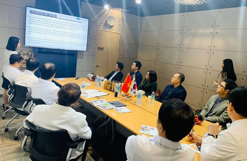 Thẩm mỹ Hồng Ngọc kí kết thỏa thuận hợp tác với BIO Plastic Surgery - bệnh viện thẩm mỹ hàng đầu Hàn Quốc  - Ảnh 1