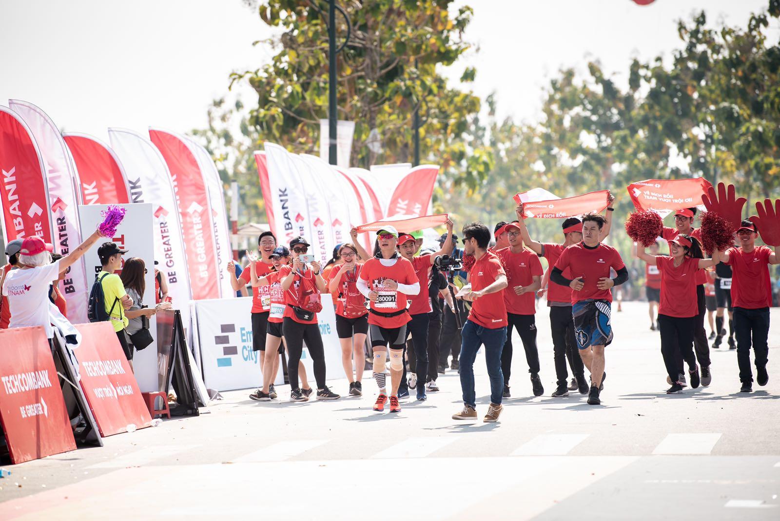 Hàng chục nghìn vận động viên chinh phục cung đường xanh tại giải Marathon quốc tế Thành phố Hồ Chí Minh Techcombank 2019 - Ảnh 1